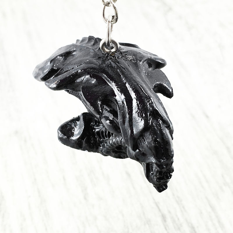 Alien | 3D queen head keychain - product images  of