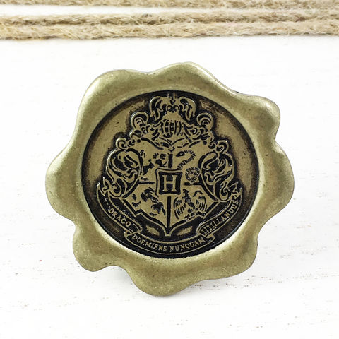 Hogwarts,Seal,Large,Pin,harry potter, hogwarts, wax seal, sceal, letter, acceptance letter, mail, large, oversized, hogwarts crest, metal