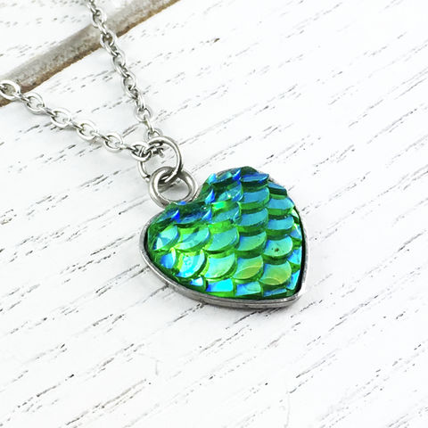 Green,Mermaid,Scales,Necklace,mermaid, scales, blue, green, necklace, pendant, silver, stainless steel, iridescent, sparkly, pear, fish scales