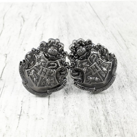 Harry,Potter,Hogwarts,Pewter,Cuff,Links,harry potter, cuff links, cufflinks, hogwarts, pewter, school of witchcraft and wizardry, crest, boutons de manchettes, potterhead, harry potter wedding