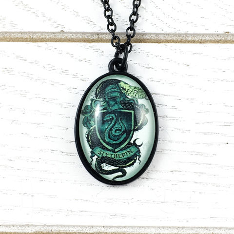 Harry,Potter,Slytherin,Cameo-Style,Necklace,Harry potter, necklace, house, slytherin, pendant, cameo, fancy, black, chain, geek chic, serpentard