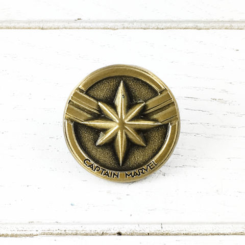 Captain,Marvel,Bronze,Pin,captain marvel, pin, lapel pin, pendant, pewter, bronze, comics, comic book geek