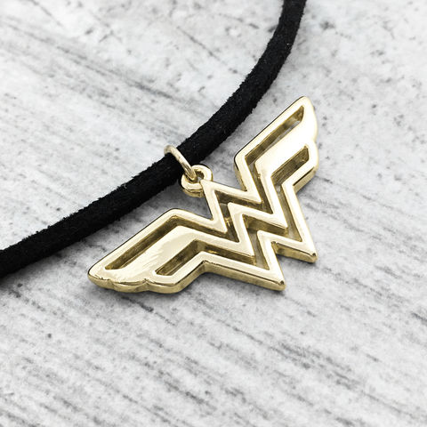 Wonder,Woman,Choker,Necklace,wonder woman, choker, necklace, gold, golden, charm, pendant, classic logo, short necklace, small, delicate, comic book geek