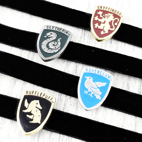 Hogwarts,House,Crest,Slider,Choker,Necklace,harry potter, choker, necklace, hogwarts, houses, crest, sigil, gryffindor, slytherin, ravenclaw, hufflepuff, silver, geeky, potter head, jewelry, leather, suede