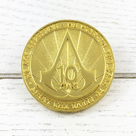 Assassin's,Creed,Golden,10,Years,Pin,assassin's creed, lapel pin, round, pin, badge, coin, power-a, gamer, geek, collectors, series 1, blind box, 10th anniversary, 10 years, gold, golden