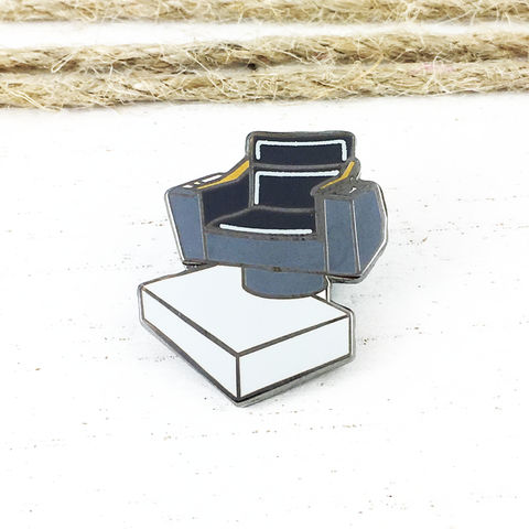 Star,Trek,Captain's,Chair,Enamel,Pin,star trek, enamel pin, pin, brooch, captain's chair, captain picard, lapel pin, next generation, tng, speech bubble, trekkie, trekky, geek