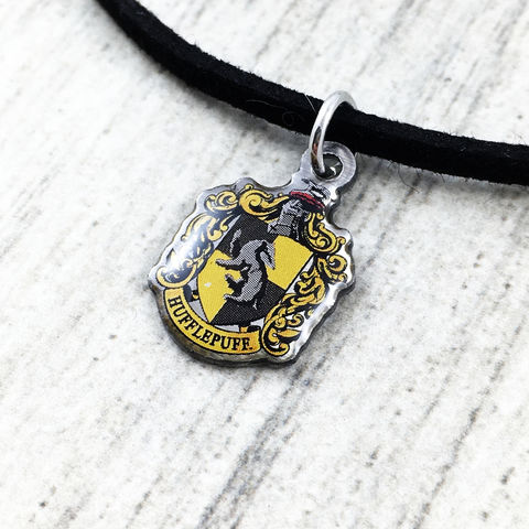 Harry,Potter,Hufflepuff,Crest,Choker,harry potter, hufflepuff, crest, house, choker, necklace, pendant, charm, silver, enamel, colour, yellow, potterhead, delicate, dainty, subtle