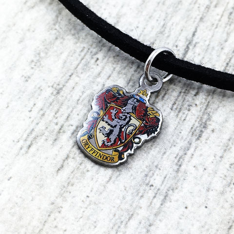 Harry,Potter,Gryffindor,Crest,Choker,harry potter, Gryffindor, crest, house, choker, necklace, pendant, charm, silver, enamel, colour, red, potterhead, delicate, dainty, subtle