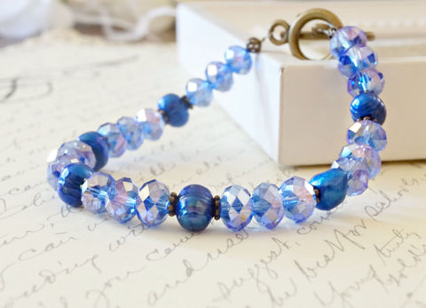 Blue,Crystal,and,Pearl,Bracelet,,Vintage,Style,Jewelry,Bracelet,Beaded,blue_bracelet,crystal_bracelet,pearl_bracelet,fresh_water_pearls,brass_bracelet,simple_bracelet,handmade_bracelet,canadian_made,made_in_canada,TAG,onfireteam,handmadeharbor,testyteam