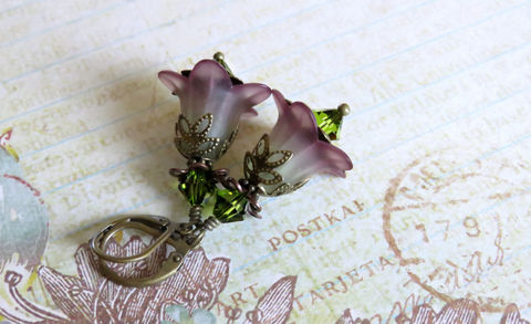 Plum,and,Olive,Lucite,Flower,Earrings,,Vintage,Style,Earrings,Jewelry,Lucite_flower,earrings,vintage_style,bohochic_earrings,earthy_earrings,earth_tones,fairy_earrings,fairy_jewelry,romantic_earrings,swarovski_crystals,brass_earrings,flower_earrings,botanical_earrings