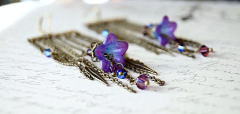 Purple,Chandelier,Earrings,,Lucite,Flower,Earrings,chandelier earrings, lucite flower earrings, lucite earrings, flower earrings, purple earrings, vintage style earrings, chic earrings, urbanwear earrings, chic jewelry, cottage chic style, cottage chic jewelry, fashion jewelry, handmade fashion, handmade