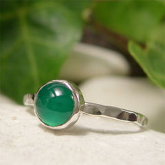 Green,Onyx,Semi,Precious,Gemstone,Solitaire,Stack,Ring,hand crafted Jewellery Rings, Solitaire Rings, hand made sterling silver ring, silver stack ring, stacking ring, dainty silver ring, gemstone jewelry, cabochon ring, green onyx ring, natural gemstone, green stone ring, semi precious stone, hammered  simpl
