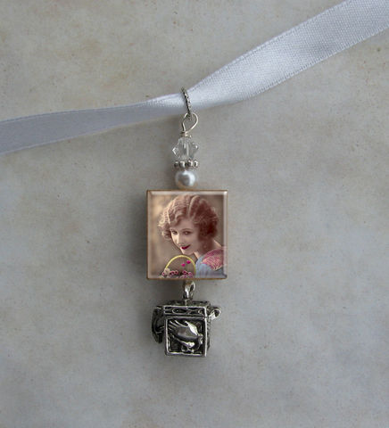 Bouquet,Photo,Image,Charm,Keepsake,with,Pray,Box,Jewelry, Pendant, wedding, keepsake, memorial, Art, altered art, charm, bouquet, bouquet photo charm,  scrabble tile, Designs by Chastity, gift
