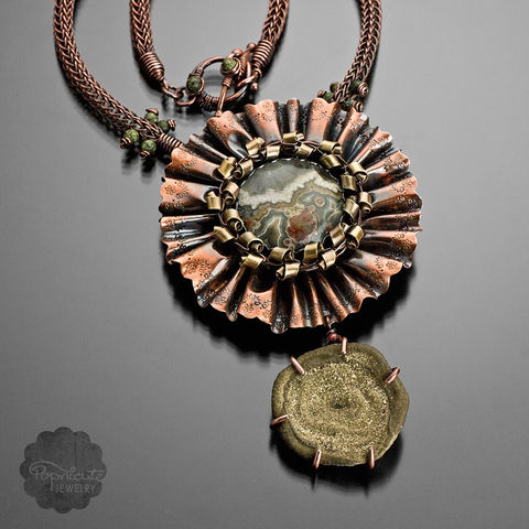 GOLD,DIGGER,Gold necklace, copper necklace, flower pendant, popnicute jewelry, big necklace, bold, elegant, classic, unique, timeless jewelry