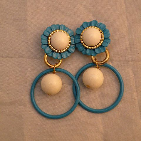 60s,Circular,Groove,Dangle,Hoop,Earrings,1960s, 60s, vintage, groovy, Hullabaloo, earrings, clip back, turquoise, blue, white, gold, ring, circle, ball, twiggy, party, edie, prettysweetvintage, sweetiepievintage, sweetie pie vintage