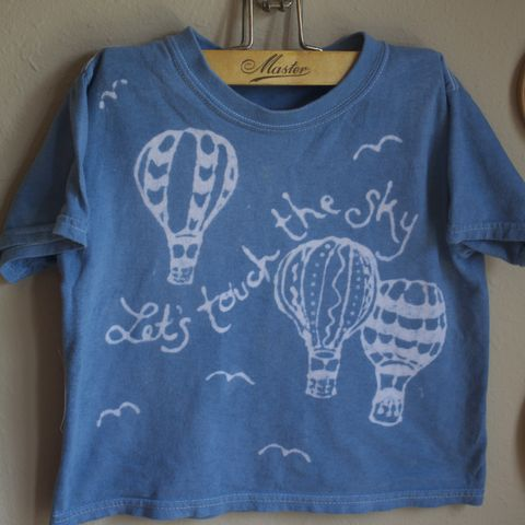 Hot,air,balloon,tshirt,Let's,touch,the,sky,hot air balloon, flying, let's touch the sky, balloonist, hand dyed, custom tee