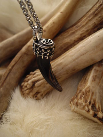 wolf,claw,and,pentacle,pendant,necklace,in,sterling,silver,bear country studio, wolf claw, wolf claw necklace, wolf jewelry, claw jewelry, sterling silver wolf,  pentacle necklace, animal claw necklace, spirit wolf, pagan jewelry