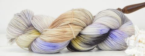 Moonlit,Wings,yarn, kettle dyed, Harry Potter, Potions