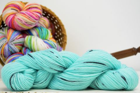 Seafoam,~,with,Speckles,yarn, kettle dyed, indiedyed yarn, solid yarn, tonal yarn kettle dyed, tonal yarn