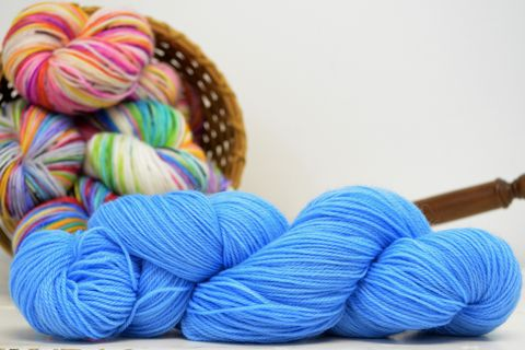 Blue,Bird,yarn, kettle dyed, indiedyed yarn, solid yarn, tonal yarn