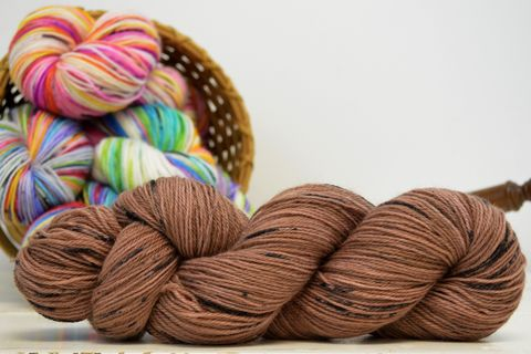 Chocolate,Chip,~,with,Speckles,yarn, kettle dyed, indiedyed yarn, solid yarn, tonal yarn