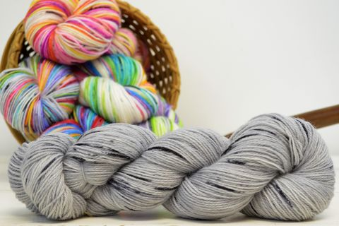 Silver,Bullet,~,with,Speckles,yarn, kettle dyed, indiedyed yarn, solid yarn, tonal yarn