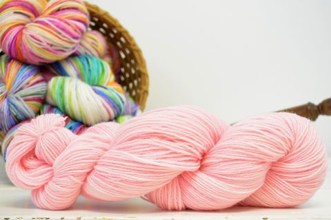 Petal,yarn, kettle dyed, indiedyed yarn, solid yarn, tonal yarn