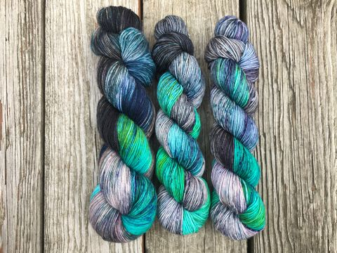 Spectres,in,the,Graveyard,yarn, hand dyed, wool, autumn yarn, fall yarn