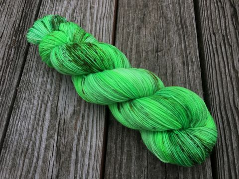 The,Grinch,yarn, hand dyed, wool, christmas yarn