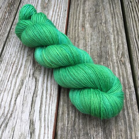 Emerald,Isle,yarn, kettle dyed, indiedyed yarn, solid yarn, tonal yarn