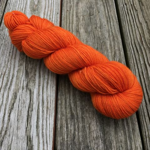 Flame,yarn, kettle dyed, indiedyed yarn, solid yarn, tonal yarn