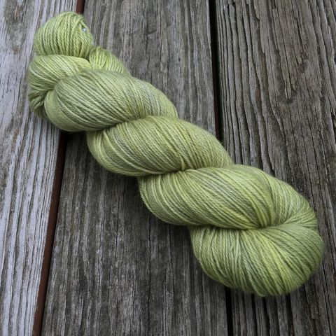 Matcha,yarn, kettle dyed, indiedyed yarn, solid yarn, tonal yarn