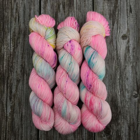 Fizzing,Whizbees,~,Harry,Potter,Inspired,Yarn,yarn, Hand dyed, kettle dyed, Harry Potter, Harry potter Candy, honeydukes, fizzing whizbees