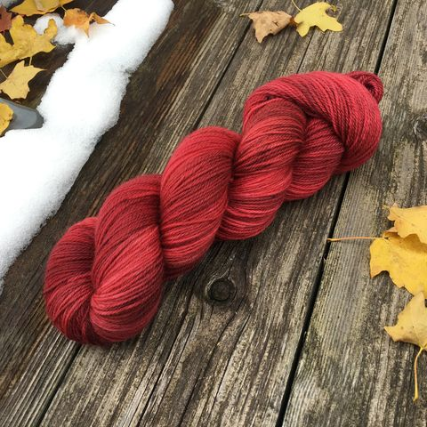 Red,Barn,yarn, kettle dyed, indiedyed yarn, solid yarn, tonal yarn, barn wood, red barn