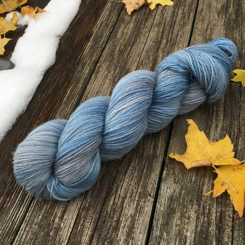 Blue,Barn,yarn, kettle dyed, indiedyed yarn, solid yarn, tonal yarn, barn wood, red barn, blue barn