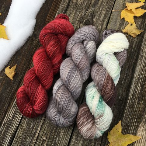 Faded,Old,Red,Barn,in,Winter,KIT,yarn, hand dyed, wool, handdyed, indie dyed, christmas yarn, holiday yarn, old barn in winter, winter barn, winter yarnhanddyed, winter yarn