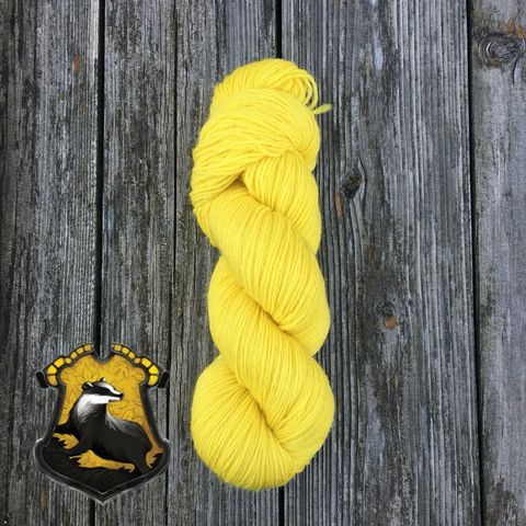 Quidditch,Hufflepuff,Yellow,yarn, kettle dyed, indiedyed yarn, solid yarn, tonal yarn