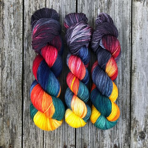 They,Are,Coming,-,Tolkien,Inspired,yarn, kettle dyed, indiedyed yarn, middle earth, Tolkien, lord of the rings