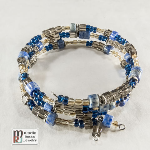 Smokey,Quartz,and,Denim,Lapis,beads,memory,wire,bracelet,or,anklet