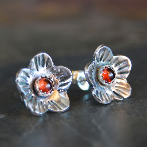 Artisan,Poppy,Stud,Earrings,,Sterling,Silver,and,Garnet,flower stud earrings, sterling silver stud earrings, post earrings, poppy earrings, garnet earrings, artisan earrings, hand made earrings, January gemstone earrings, almandine garnet earrings, stud earrings, botanical earrings, nature inspired earrings, f