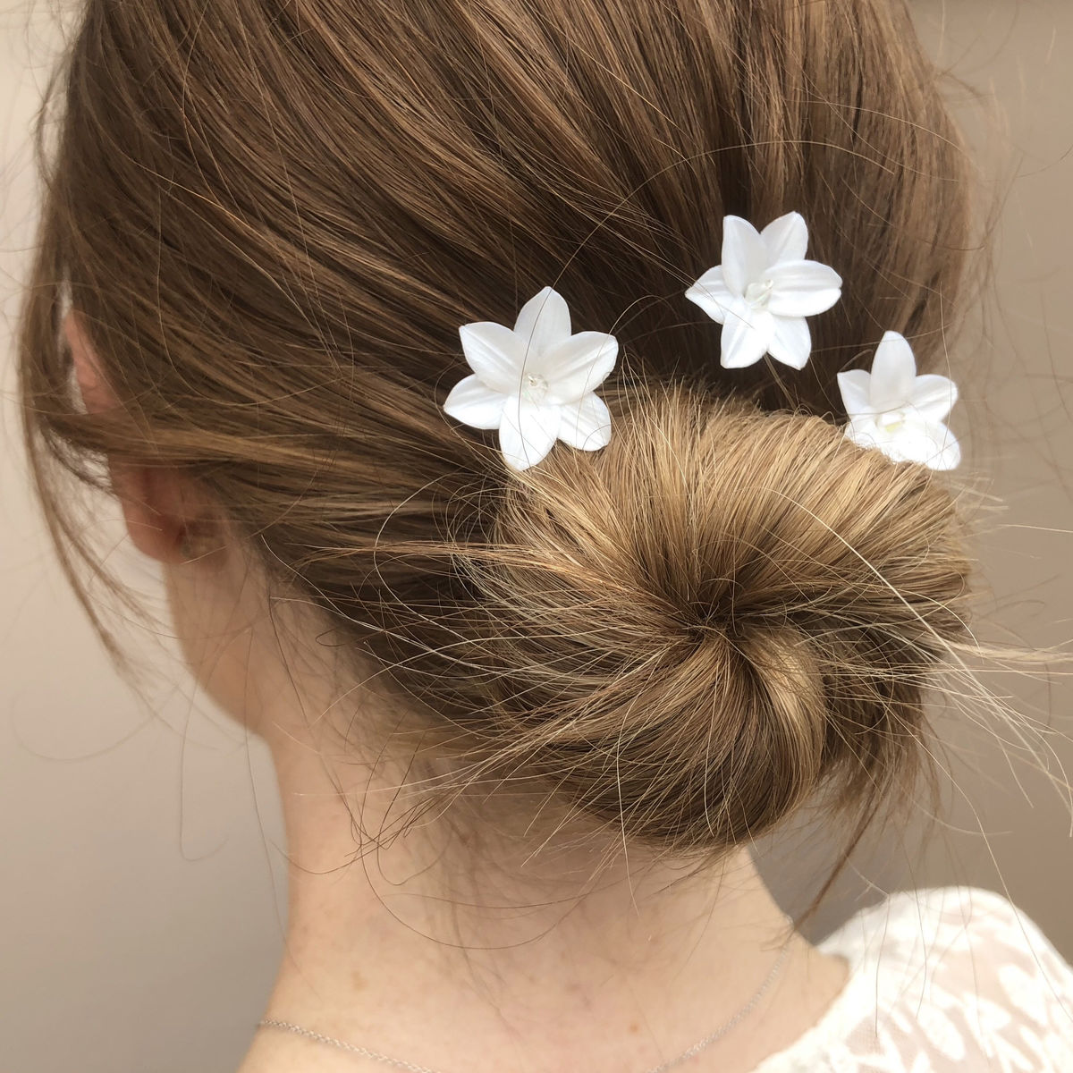 LILLEY  UK - Set of white floral Wedding Hair Pins - product image