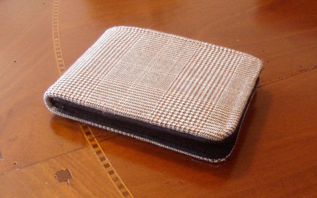 Men's  slim wallet brown houndstooth Cashmere wool wallet Standard size 7 pocket wallet - product image