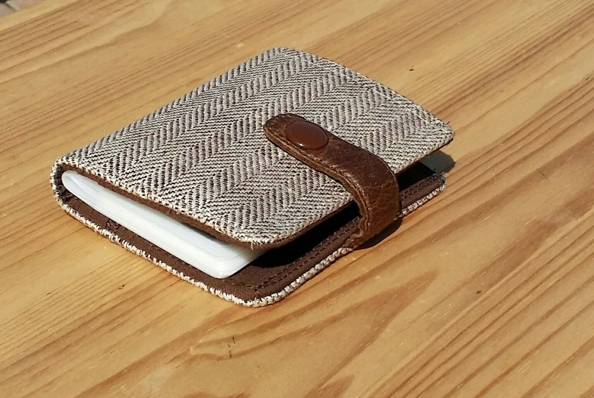 Linen Herringbone tweed Billfold 7 pocket Standard size brown Lining leather closer - product image
