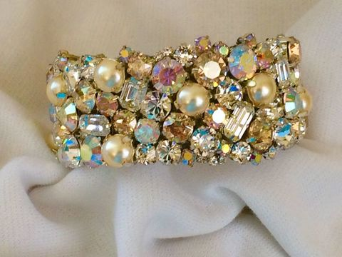 Champagne,Swarovski,Crystal,and,Pearl,Bridal,Cuff,Bracelet,-,1,inch,wide,Champagne cuff, champagne wedding bracelet, bridal bracelet, bridesmaid bracelet, swarovski bracelet, crystal cuff, crystal bracelet, swarovski cuff, wedding cuff, champagne cuff, wedding bracelet, champagne bracelet, golden bracelet, mother of the bride