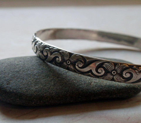 Silver,Floral,Bangle,Oxidized,Sterling,in,Modern,Pattern,Jewelry,Bracelet,floral_bangle,silver_floral_bangle,modern_bangle,modern_floral_bangle,silver_bangle,bangle_bracelet,sterling_silver,sterling_bangle,sterling_floral,oxidized_bangle,oxidized_floral,floral_pattern,rustic_floral,sterling silver