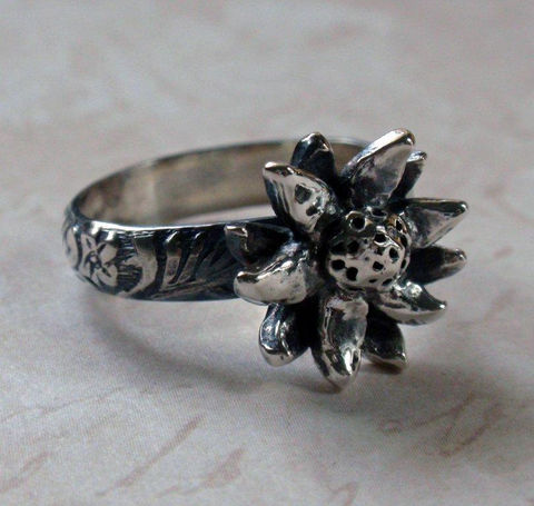 Silver,Flower,Ring,Oxidized,Floral,in,Sterling,and,Fine,Jewelry,Metalwork,silver_flower_ring,silver_floral_ring,flower_ring,sterling_flower_ring,petal_ring,spring_flower_ring,spring_jewelry,floral_jewelry,floral_ring,fine_silver_ring,vintage_floral,daisy_ring,floral_pattern_ring,fine silver,sterling silve