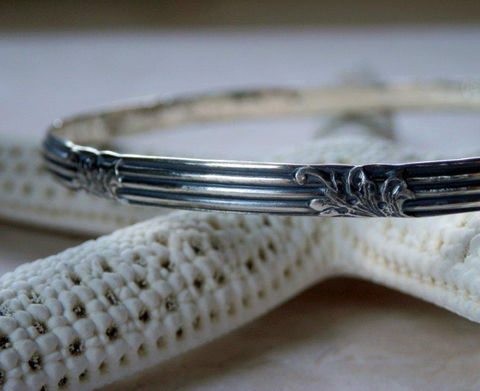 Floral,Pattern,Silver,Bangle,Oxidized,Art,Deco,and,Lined,Vintage,Patterned,Sterling,Bracelet,Jewelry,art_deco_bangle,art_deco_silver,floral_pattern,floral_patterned,art_deco_patterned,art_deco_pattern,silver_bangle,sterling_bangle,floral_bangle,floral_bracelet,vintage_floral,vintage_pattern,silver_floral_bangle,sterling silver