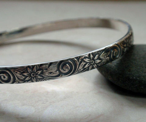 Floral,Pattern,Bangle,Oxidized,Sterling,Silver,Swirls,and,Flowers,Jewelry,Bracelet,floral_pattern,floral_bangle,silver_bangle,sterling_bangle,stacking_bangle,patterned_bangle,swirl_pattern,flower_pattern,flower_bangle,floral_swirl_bangle,silver_flower_bangle,vintage_floral,vintage_pattern,sterling silver
