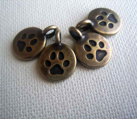 Antique,Bronze,Finished,Paw,Print,Drop,Charms,4,pieces,Accessories,Charm,TierraCast_charms,drop_charms,paw_print_charms,paw_print_drops,bronze_finish_charms,bronze_paw_print,small_paw_charms,animal_charms,dog_print_charms,cat_print_charms,metal_drop_charms,you_too_collection,TierraCast_drops
