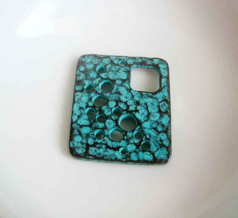 Mykonos,Moonscape,Pendant,Green,Patina,,1,Piece,Supplies,Mykonos_moonscape,Mykonos_casting,Mykonos_findings,Cast_metal_pendant,Mykonos_pendant,Greek_cast_metal,Greek_Metal_Pendant,Moonage_daydream,Moonage,verdigris_pendant,verdigris_findings,Canada,Ontario